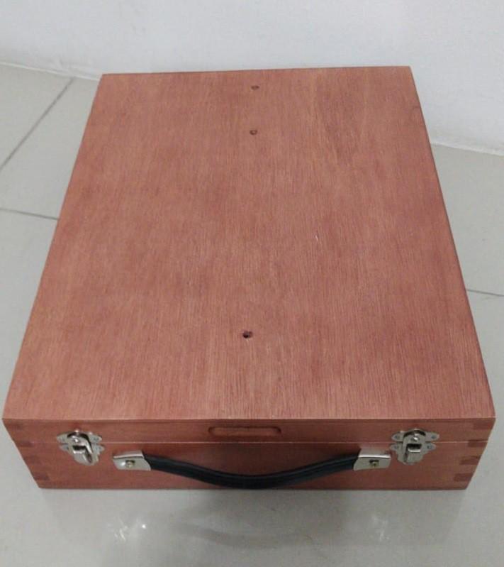 Estojo Cavalete de Pintura DA VINCI Pinus Cor Mogno Referência 4215 SOUZA