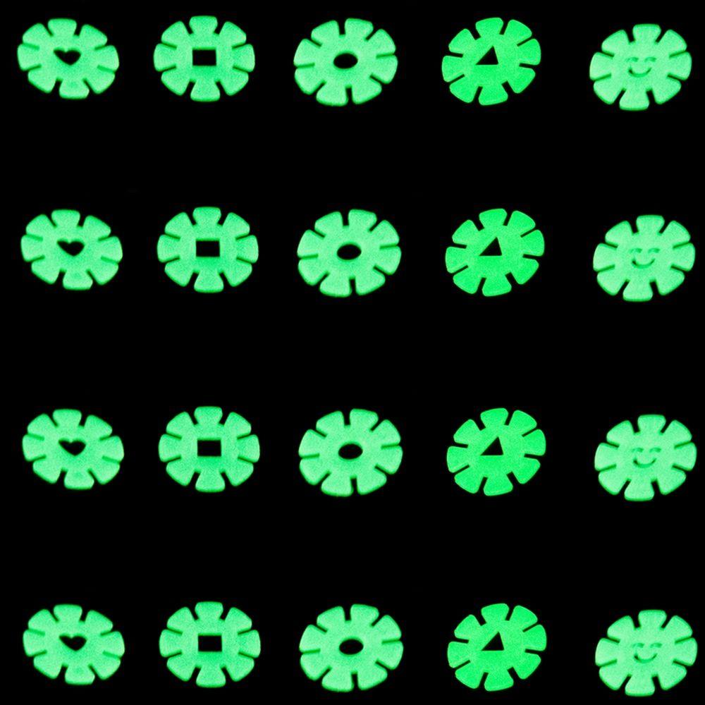 Kit com 20 Adesivos que brilham no Escuro - Flor Verde  - Shop Ud