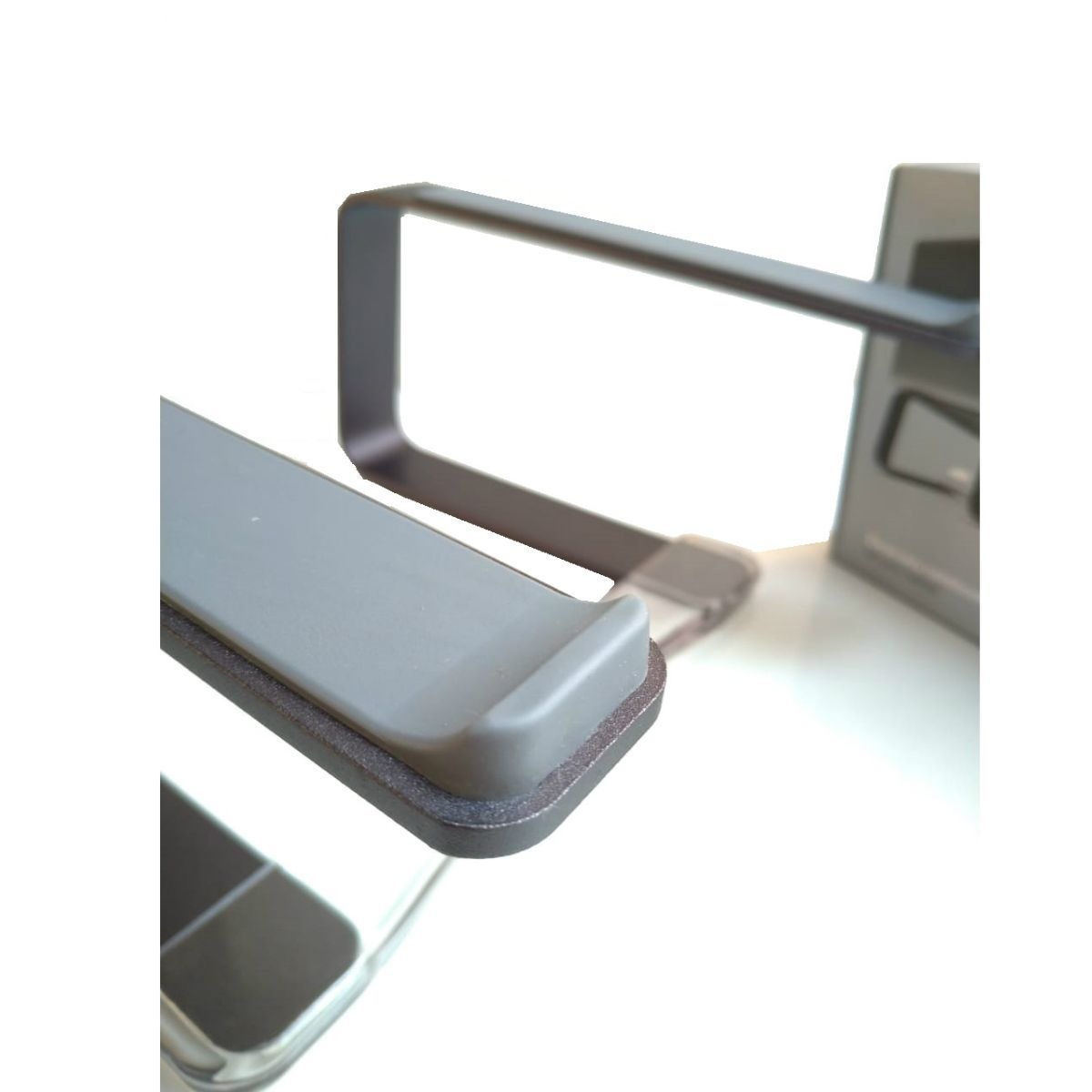 "Suporte Elevado Curv Cristal Aluminio Para Notebook Macbook 9 a 17"" - Preto Chumbo"