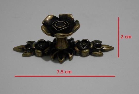 Puxador Flor c/ base colonial Ref. 1656