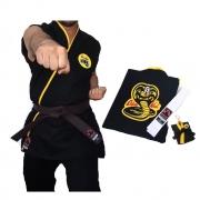 Kimono Cobra Kai (Polycotton) Adulto + Faixa Branca + Brinde Chaveiro