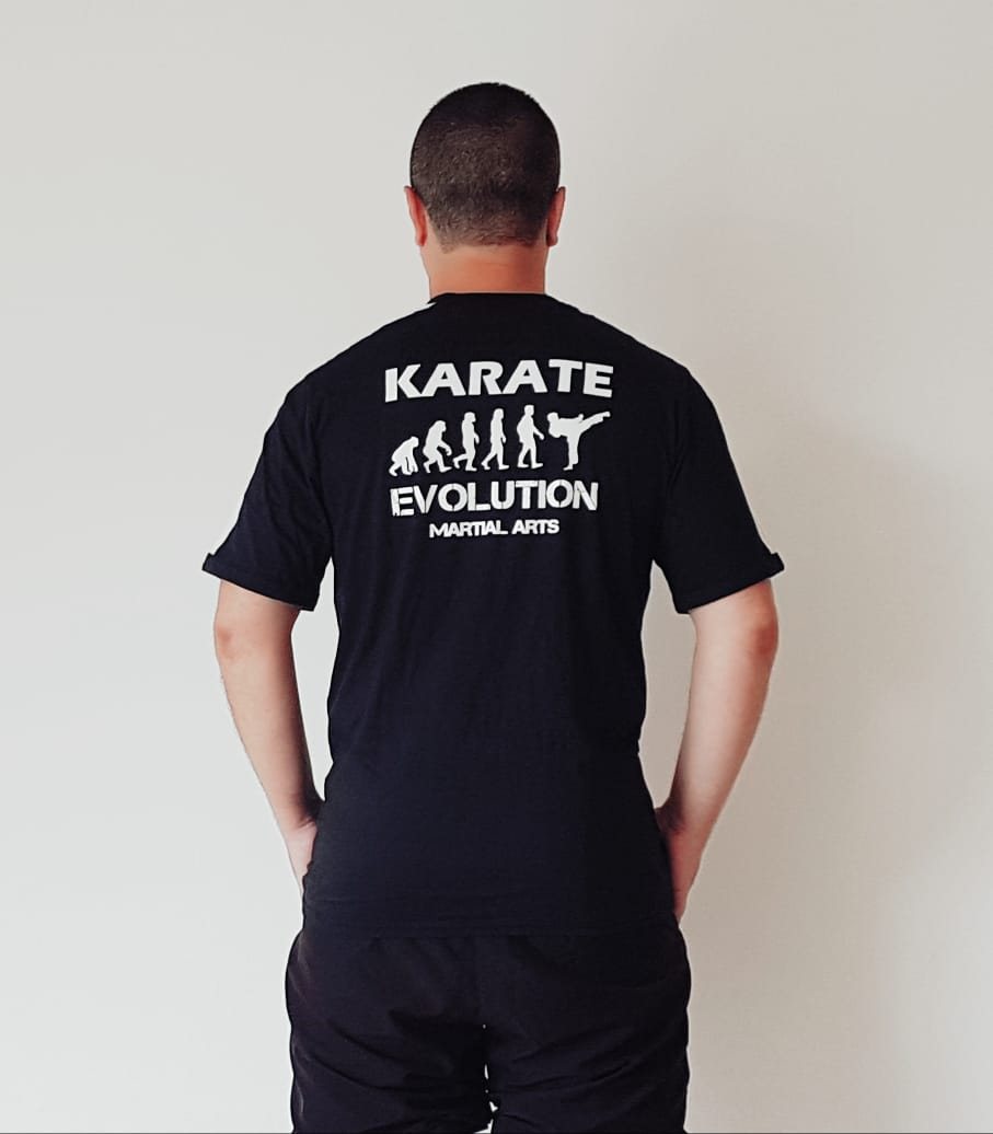 Camiseta Karate Evolution Preta estampa nas costas