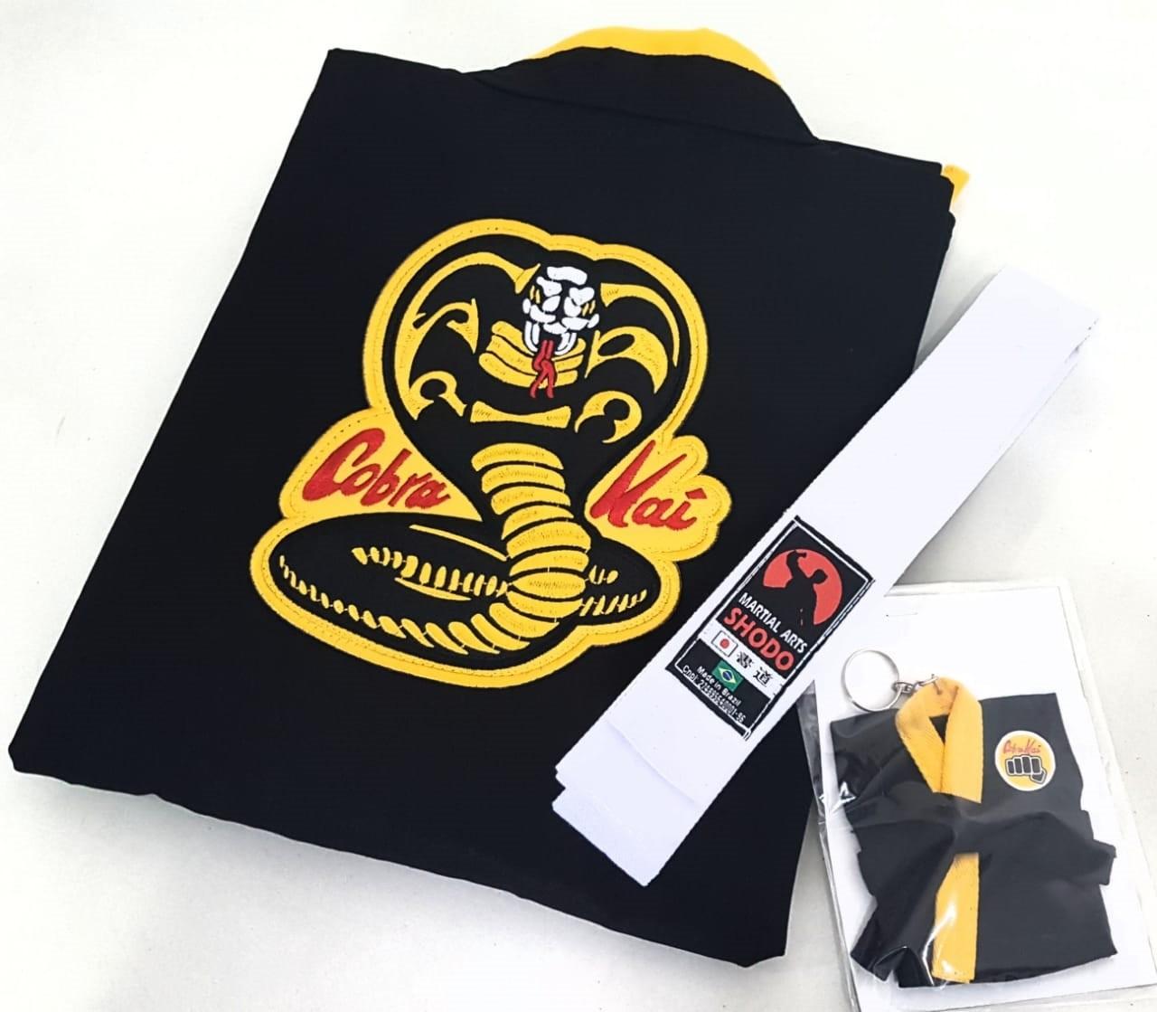 Kimono Cobra Kai (Fantasia) Infantil + Faixa Branca + Brinde Chaveiro
