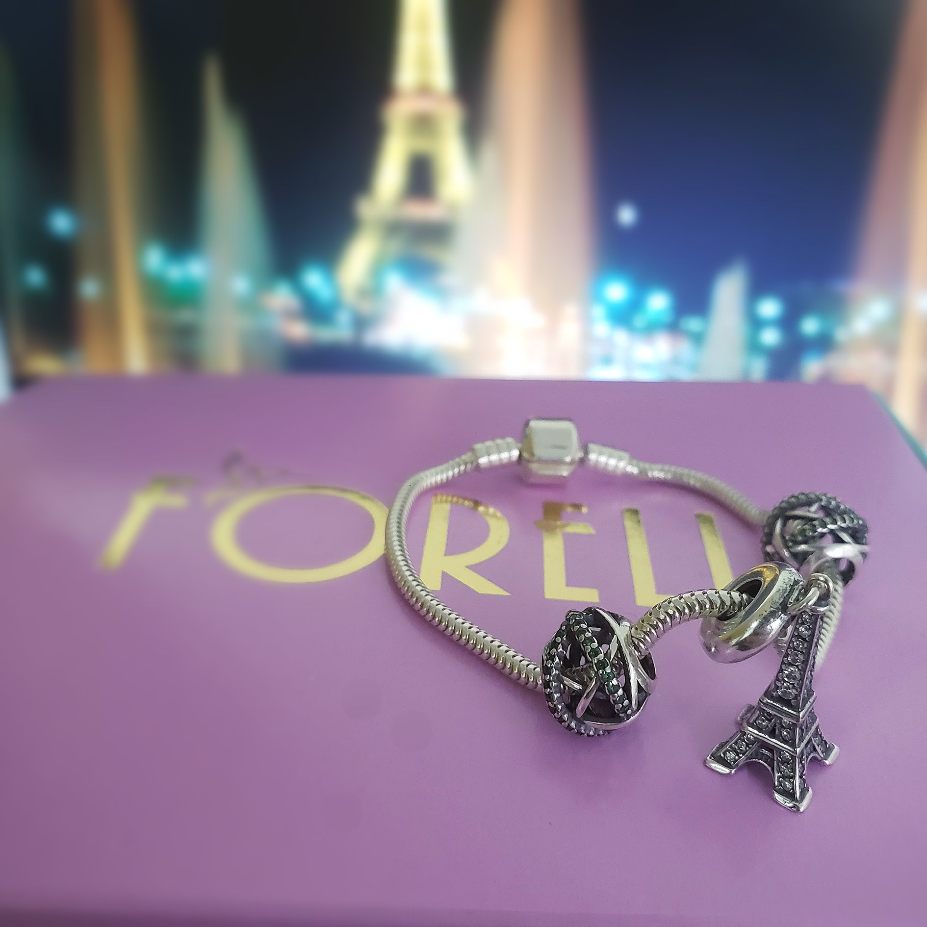 Berloque Torre Eiffel Zircônias