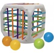 Brinquedo Anti Stress Cubo Entrelaçado Jogo Infantil Educativo Bolinhas Com Som De Chocalho Colorido Põe E Tira Meninos Meninas Lançamento Elka