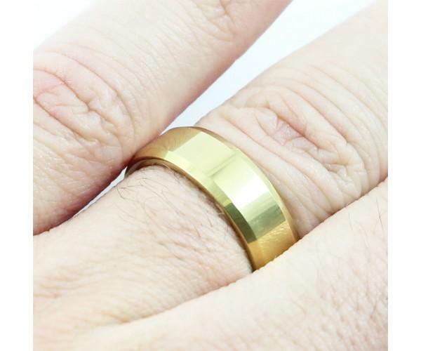 Par de Aliança de Tungstênio com 6mm de Largura Modelo Chanfrada Gold