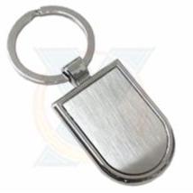 Chaveiro metal com detalhe prata escovado Ref:1657 (Caixa com 12Pçs)