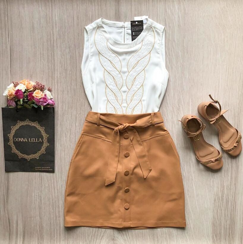 Blusa Basic Bordado