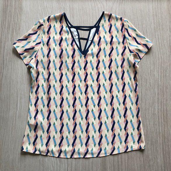 Blusa Estampada Detalhe Friso