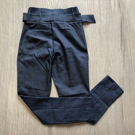 Calça Jeans com Cinto Fivela