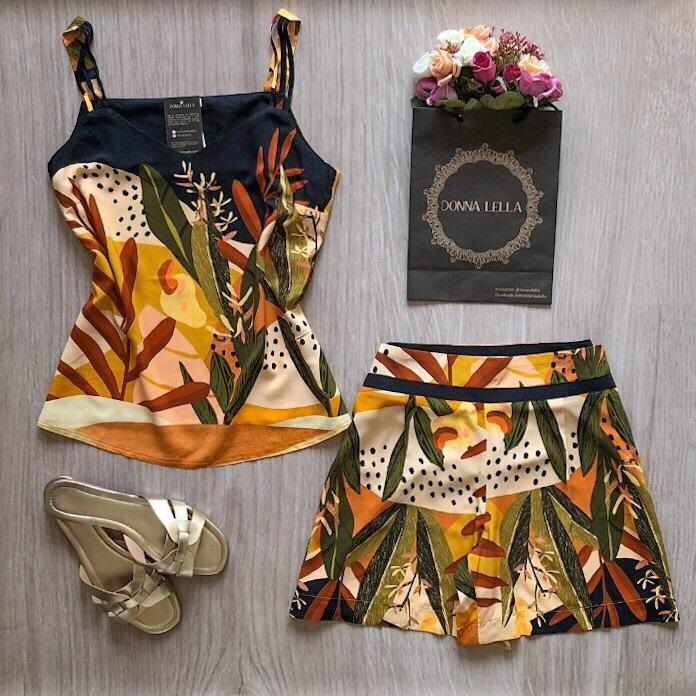 Shorts Estampa Folhagem