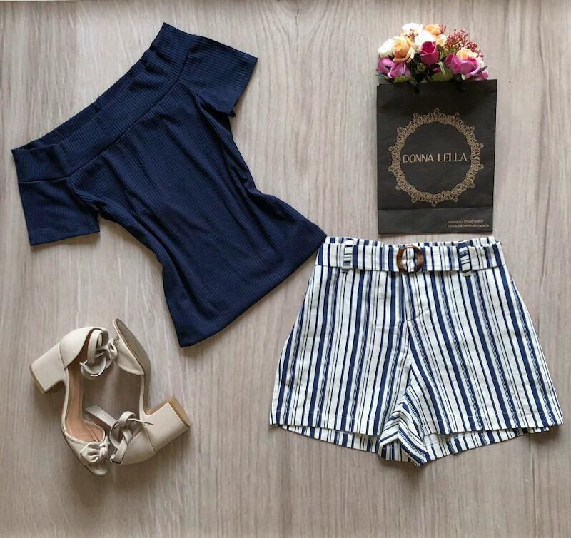 Shorts Listrado com Cinto Azul