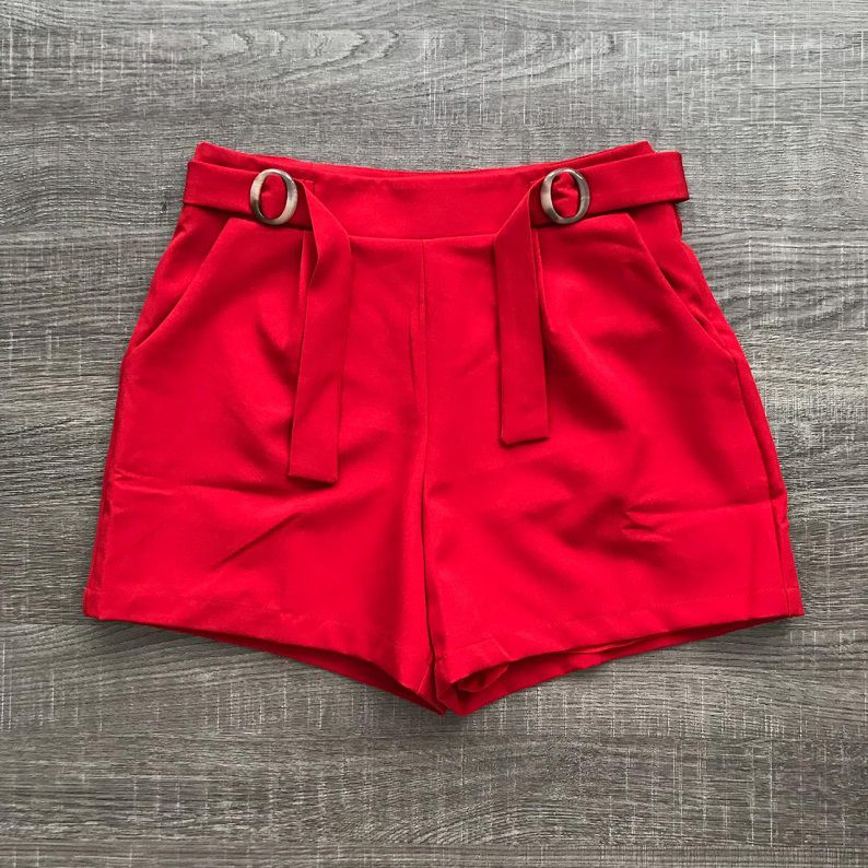 Shorts Vermelho Fivela