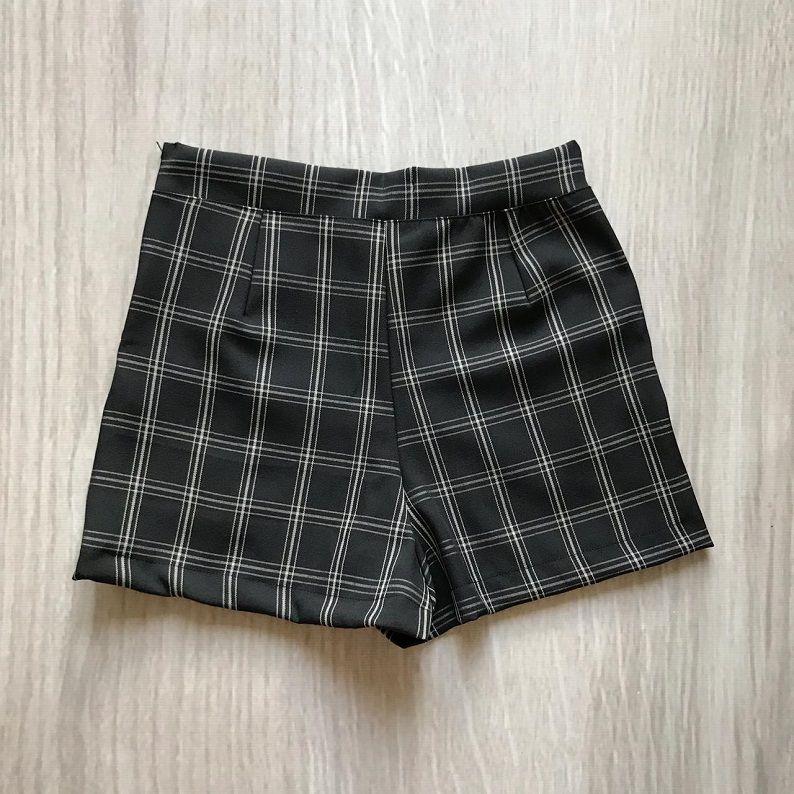 Shorts Xadrez Botões