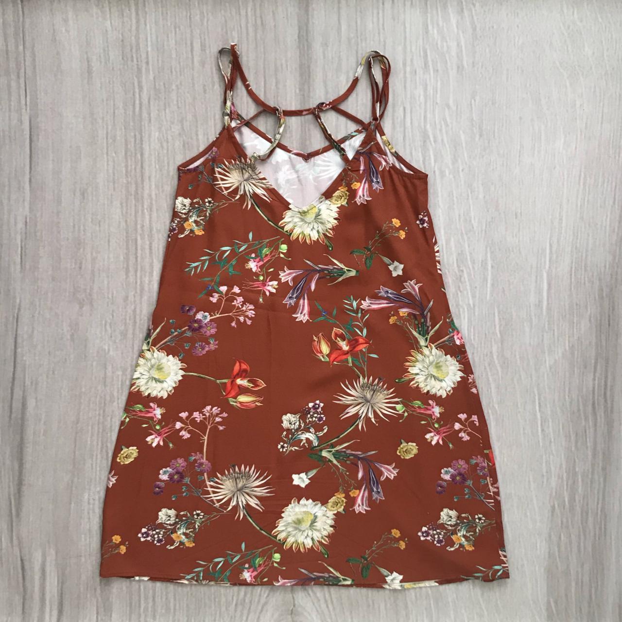 Vestido Floral Detalhe Costas