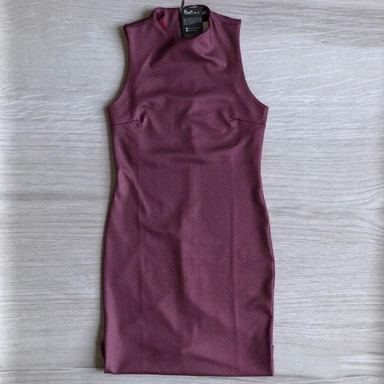 Vestido Marsala Gola