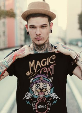 T-shirt Magic Cat