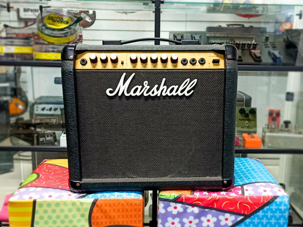 Amplificador Marshall Valvestate 20 Model 8020- Usado