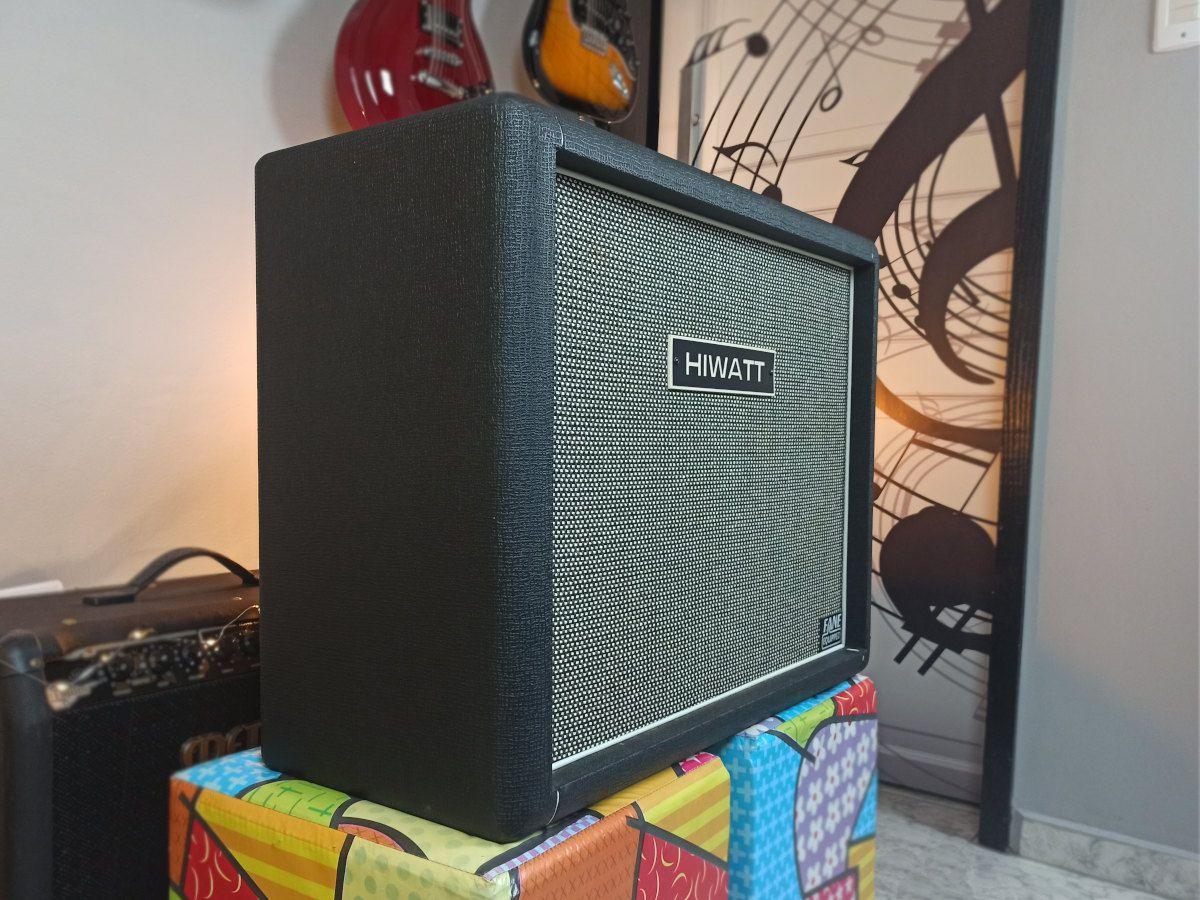 Caixa / Gabinete para Guitarra HIWATT 2 x 12 c/ Falante Pedrone - Usado