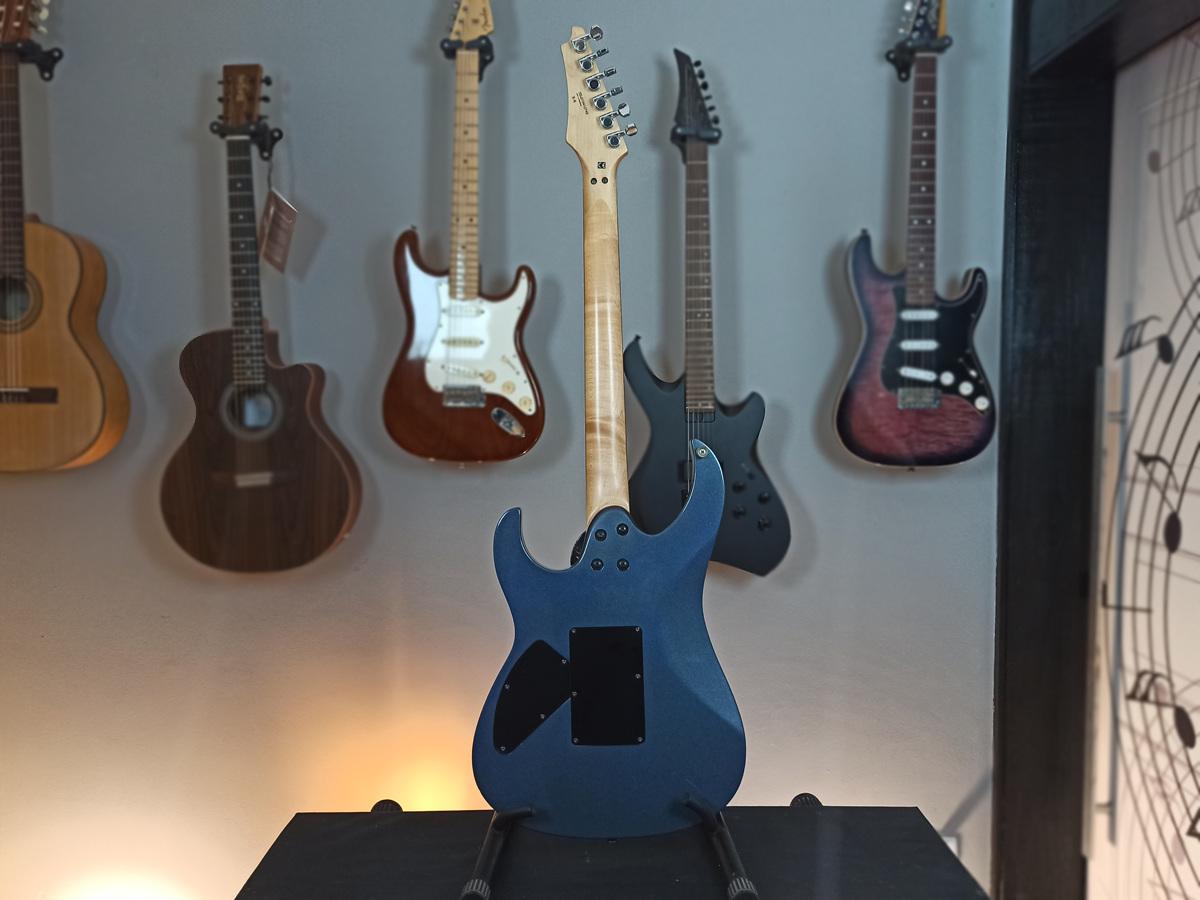 Guitarra Cort Super Strato XCort X6 - Usada