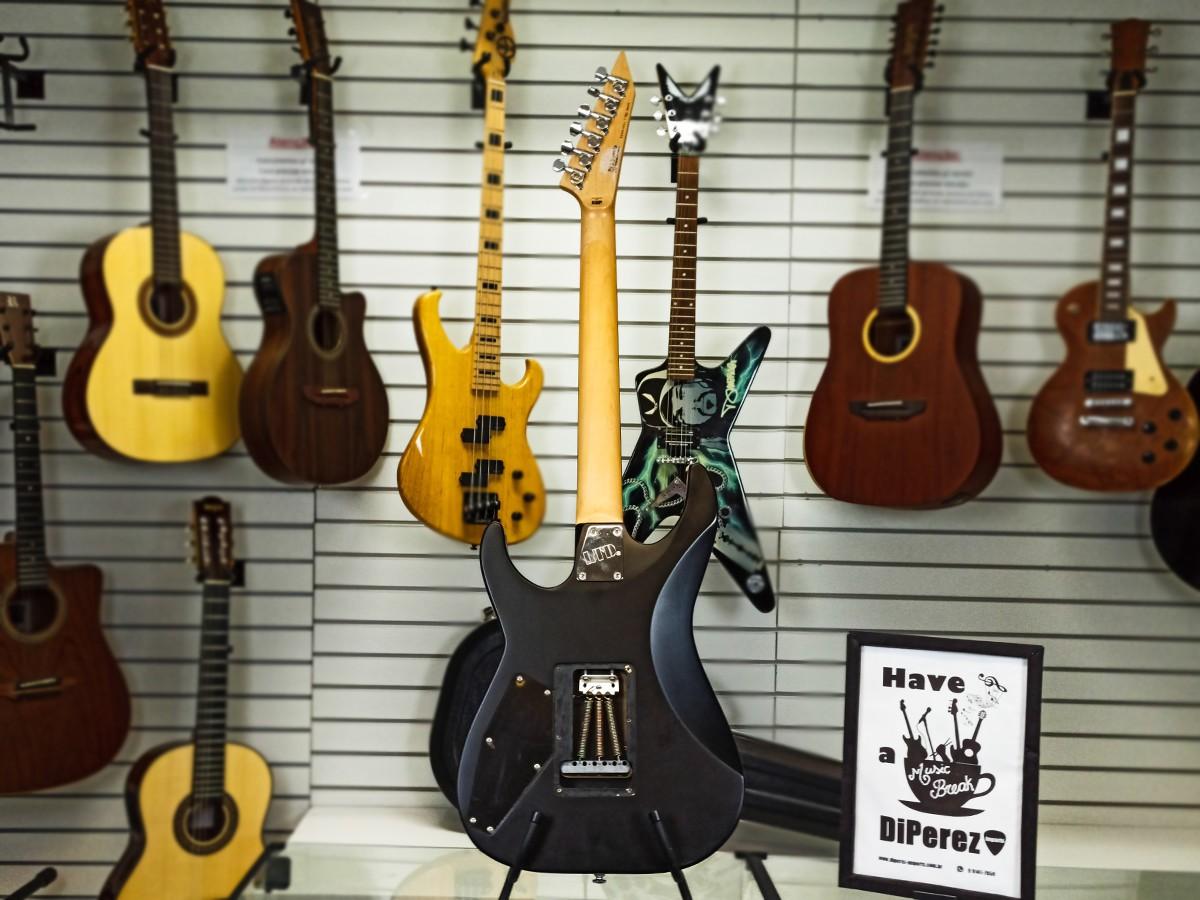 Guitarra Ltd M-50 Black Satin - Usada