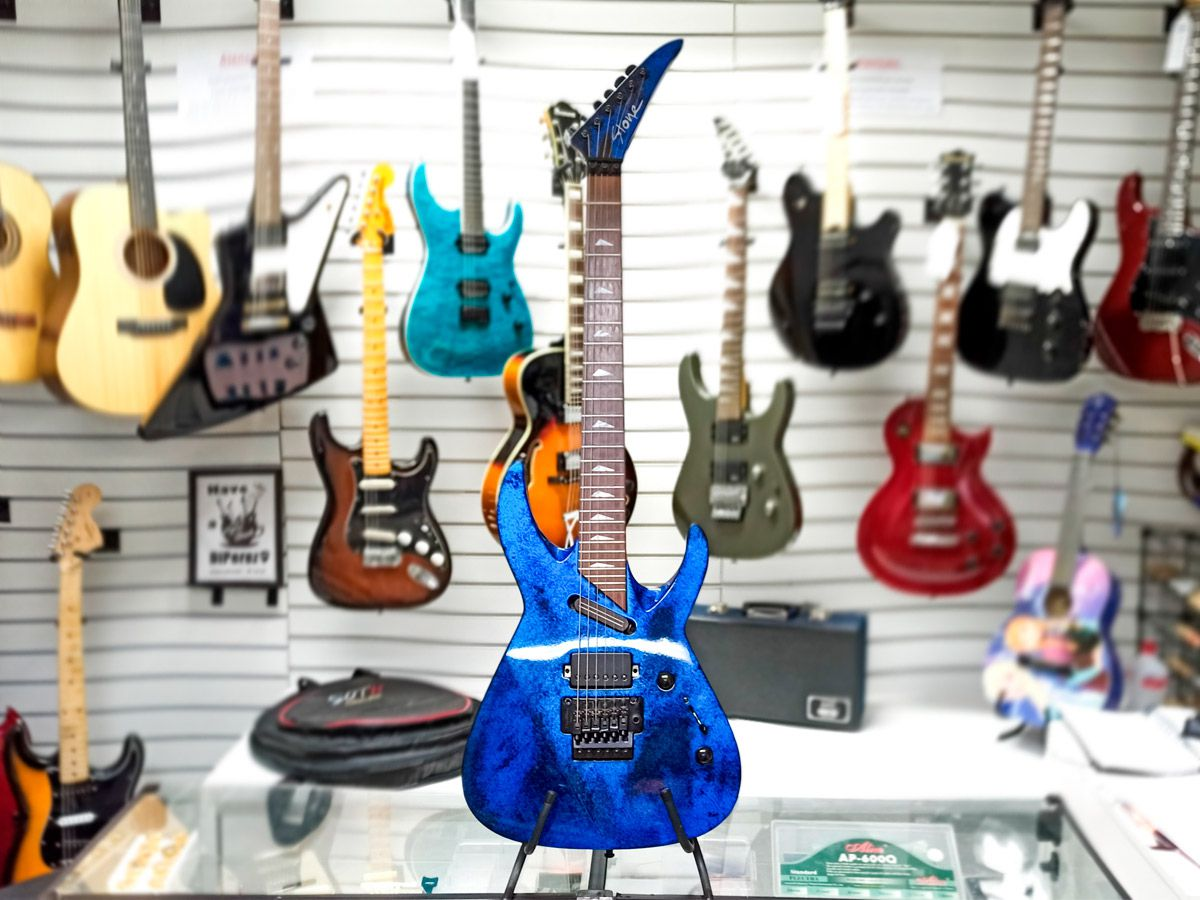 Guitarra Stone – Modelo Revenge – Top de Linha - Usada - c/ case