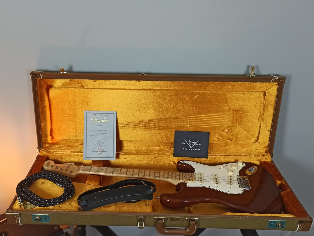 Guitarra Stratocaster Fender Custom Shop NOS 1960 Walnut - USADA
