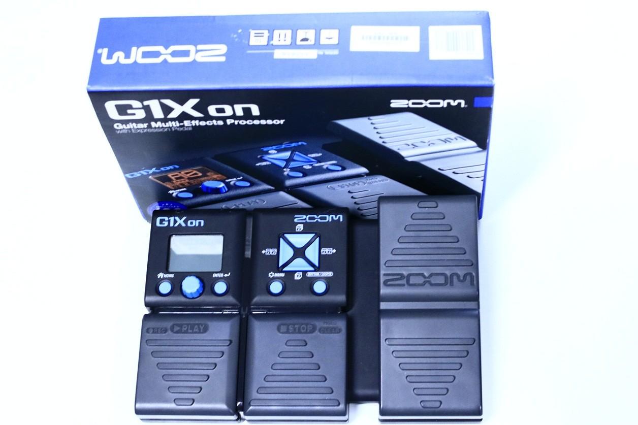 Pedaleira Usada Zoom G1X On com pedal de expressão para Guitarra