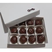 Bombom de Chocolate Ao Leite Recheado com Licor e Amêndoas