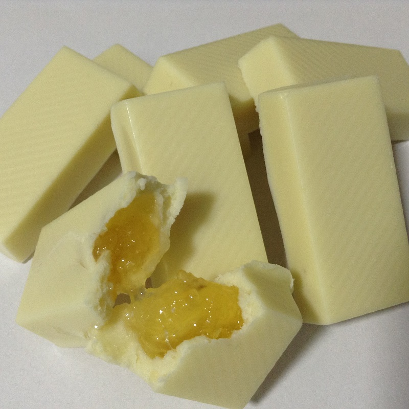Chocolate Branco c/ abacaxi - barrinhas