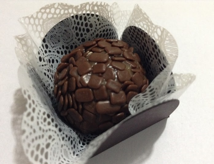 Brigadeiro Chocolate Belga - Ao Leite - Kit 24 unids