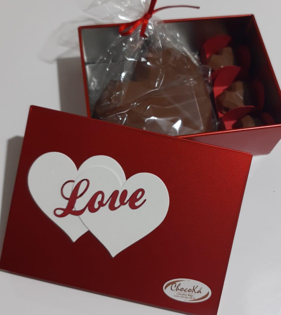 Coração Lapidado de Chocolate Belga com mini corações