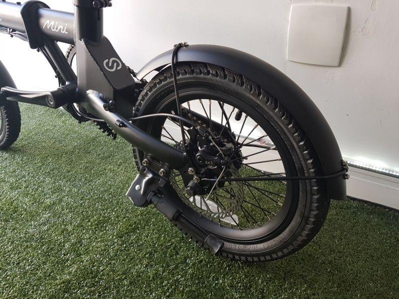 """Bicicleta Elétrica Dobrável Skape Mini - 250W / 16"""" / 14Kg *Mostruário"""