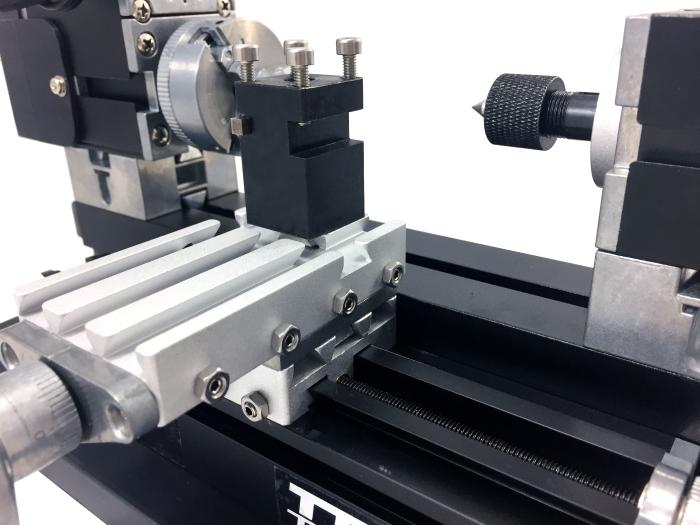 Mini Torno de Metal Bancada - The First Tool - 60W, 12000rpm Motor Big Power - TZ20002MG - Montado