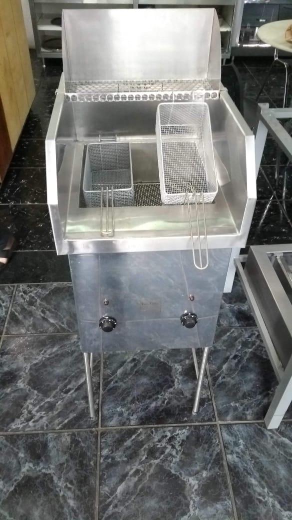 Fritadeira Elétrica Automática água e óleo- 1 bojo dupla açao