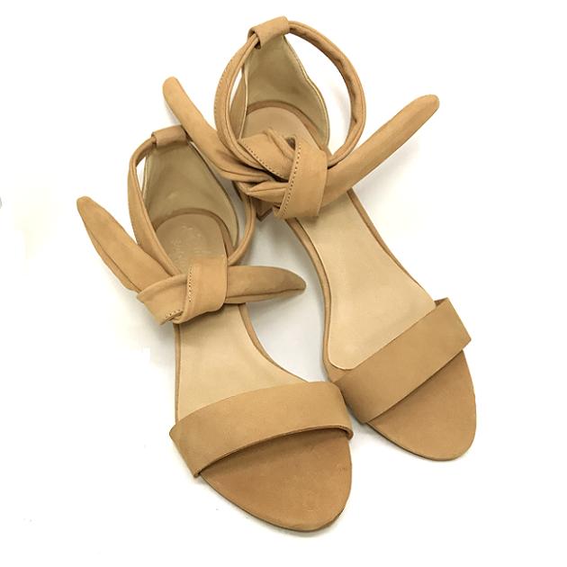 Sandália Couro Suede Ivy Salto Bloco Baixo Nude Detalhe de Laço