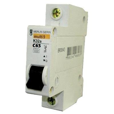 Disjuntor Schneider Eletric K32a C63a Easy9 1p Curva