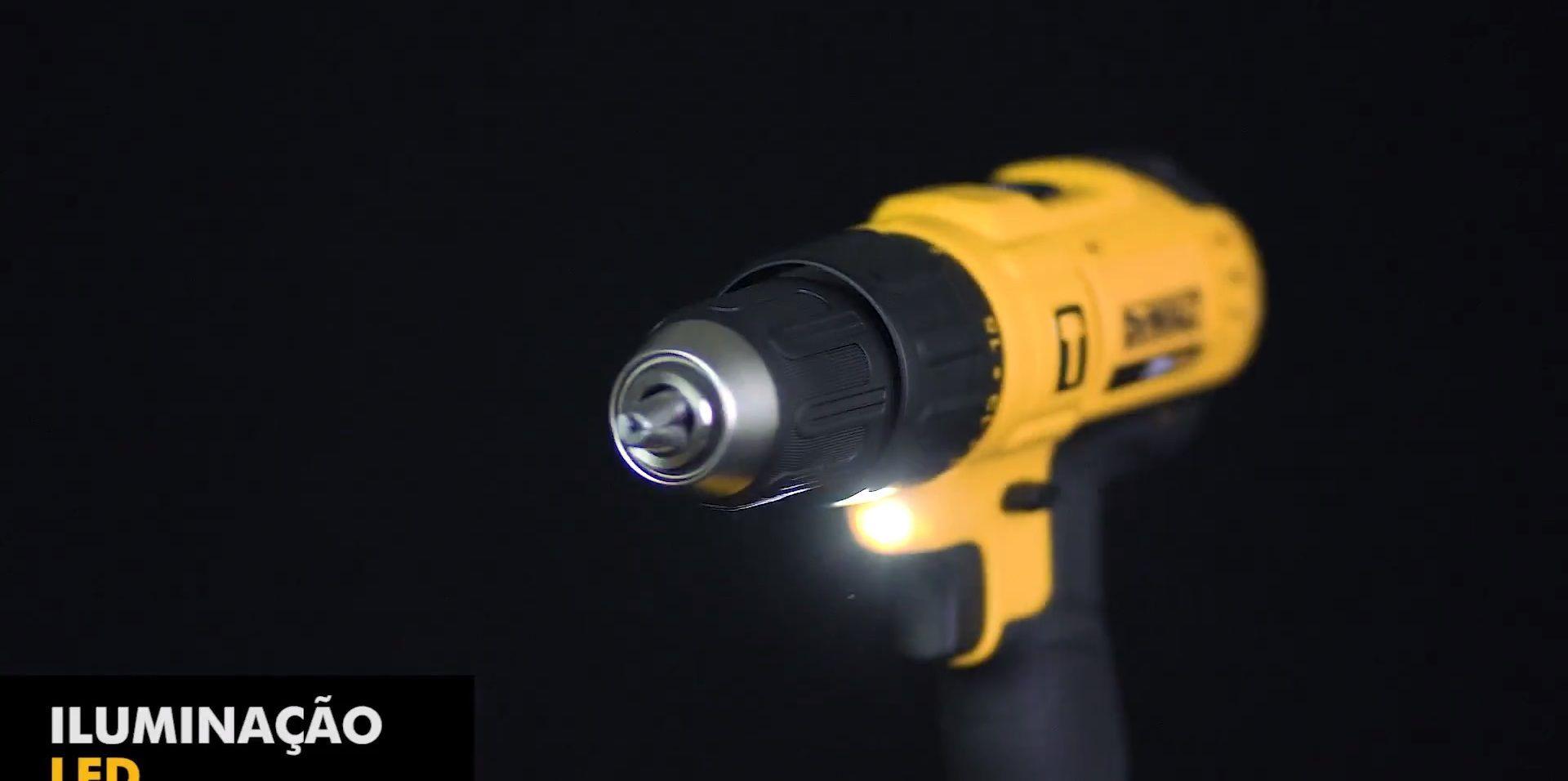 Furadeira Parafusadeira Impacto Profissional 13mm 20v c2 Baterias Dewalt DCD776C2-BR+Tesoura Mundial