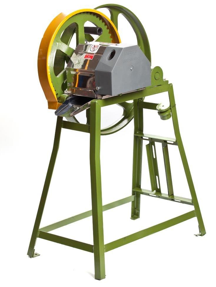 Máquina de Moer Engenho De Cana B120AIM Alto Moenda e Capas em Inox Botini