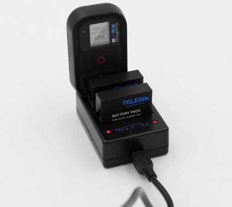 Carregador Telesin Triplo Gopro4 e GoPro5/6  para Bateria E Controle