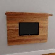 Painel Com Prateleira Para TV Em Madeira De Demolição Medindo 1,60 X 0,05