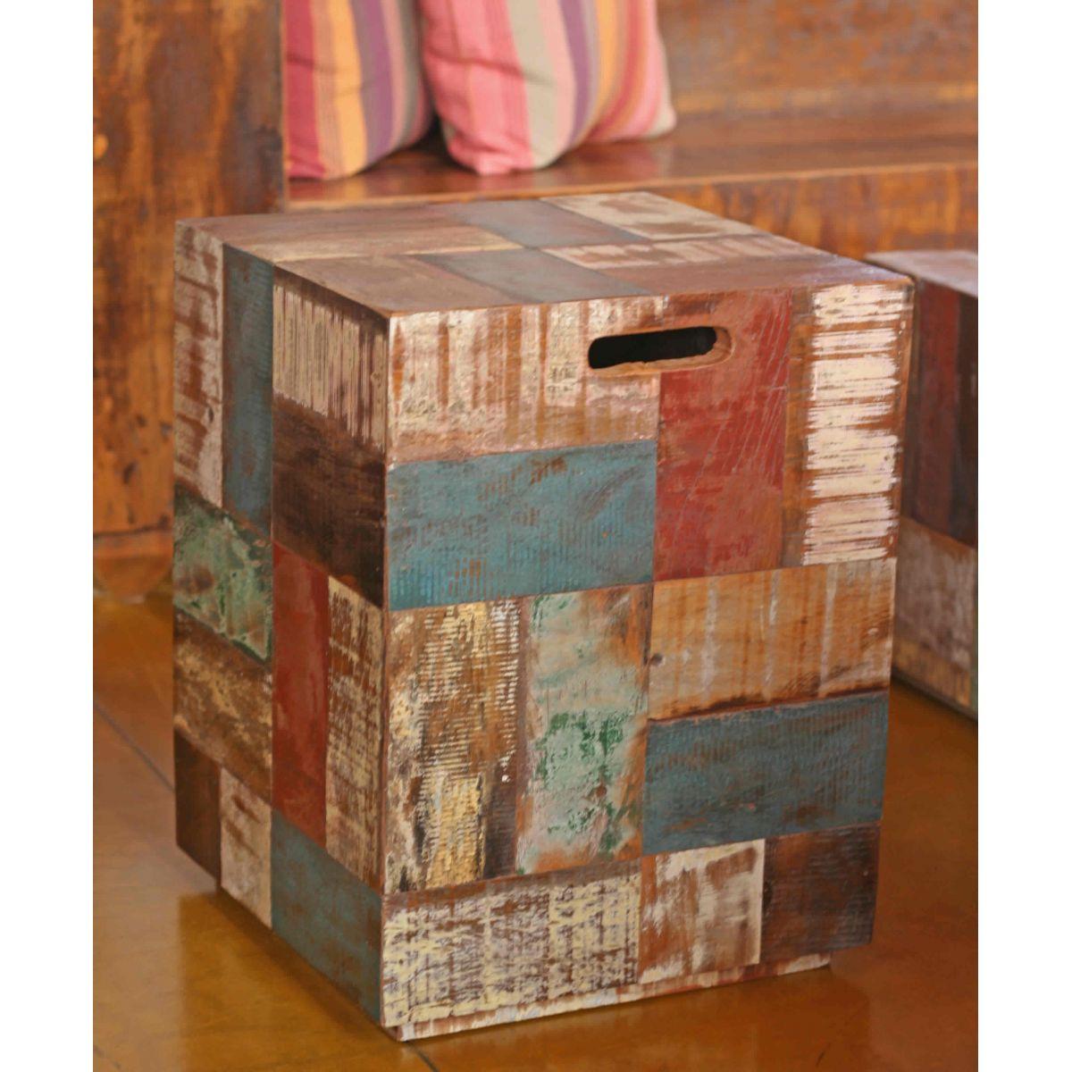Banco Retalho De Madeira De Demolição Medindo 35 x 35 x 45