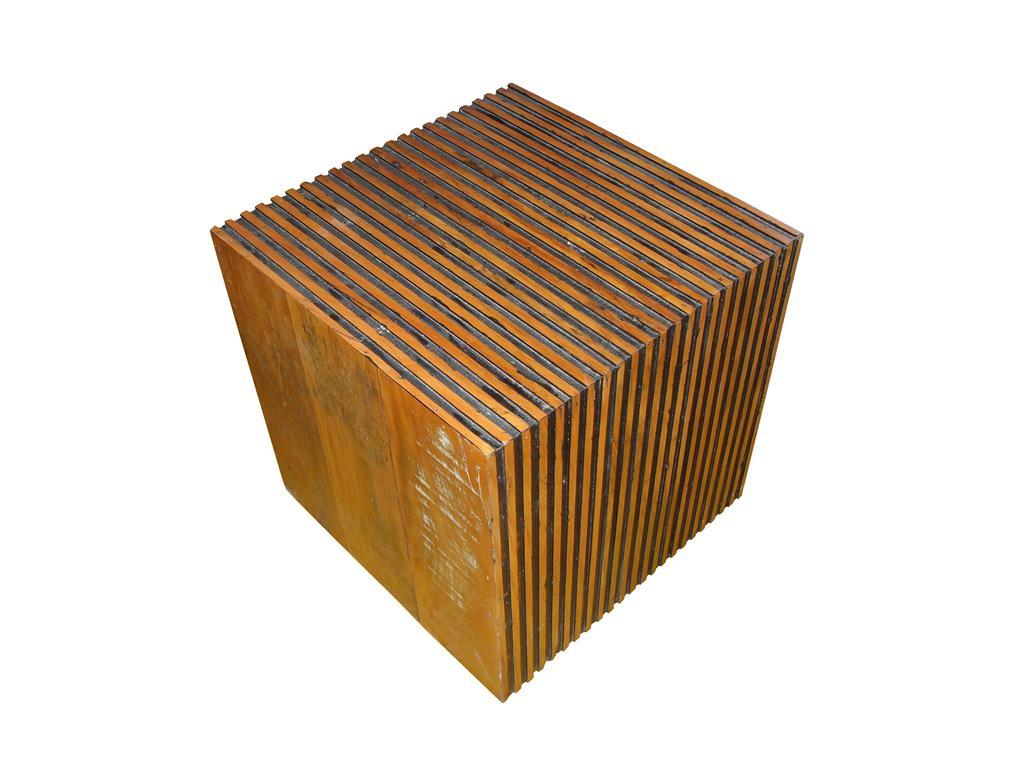 Banco Cubo Bit Em Madeira De Demolição Medindo 45x45x45