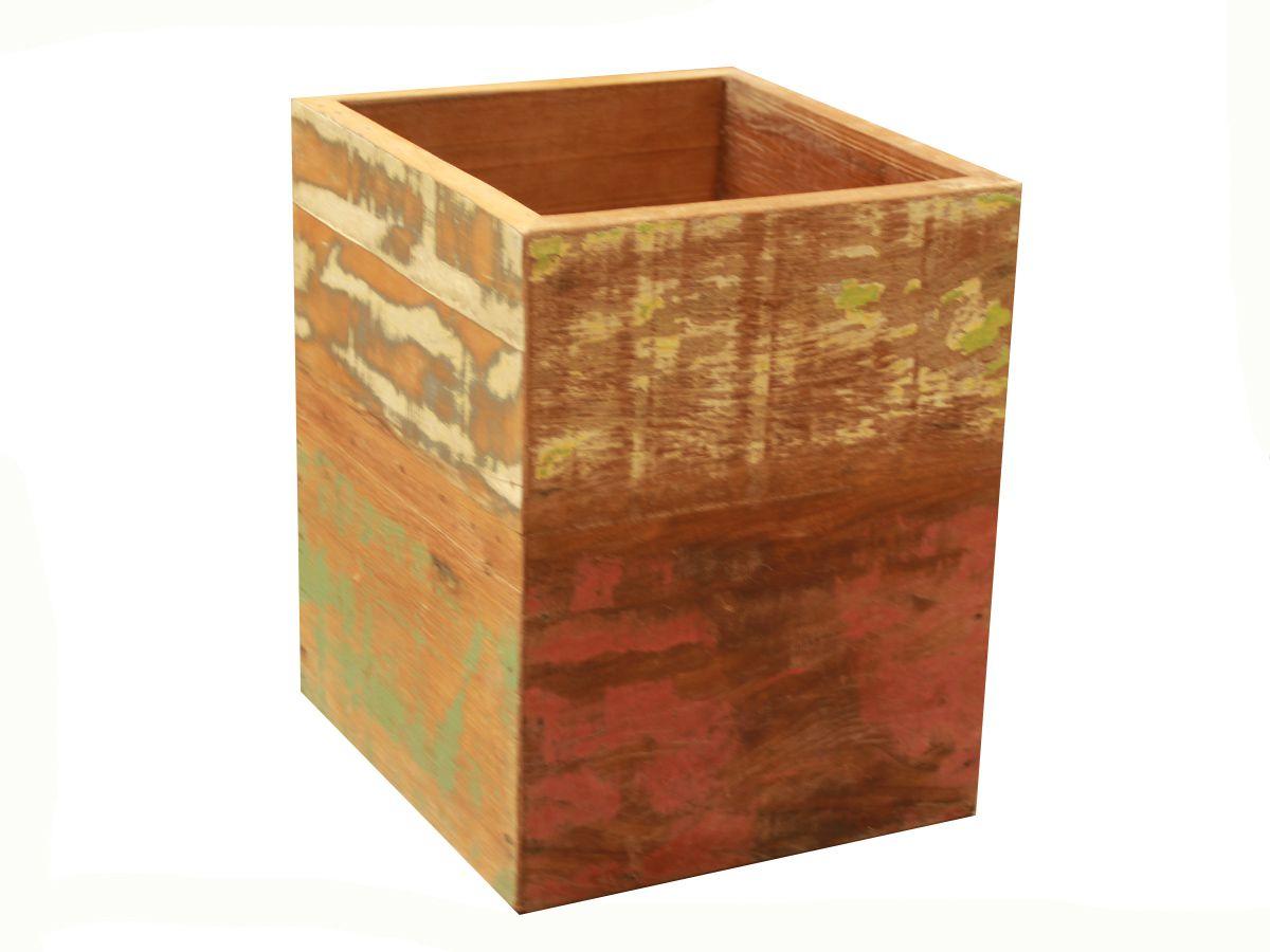 Cachepot Porta Plantas Medindo 0,30 x 0,35 Em Madeira De Demolição