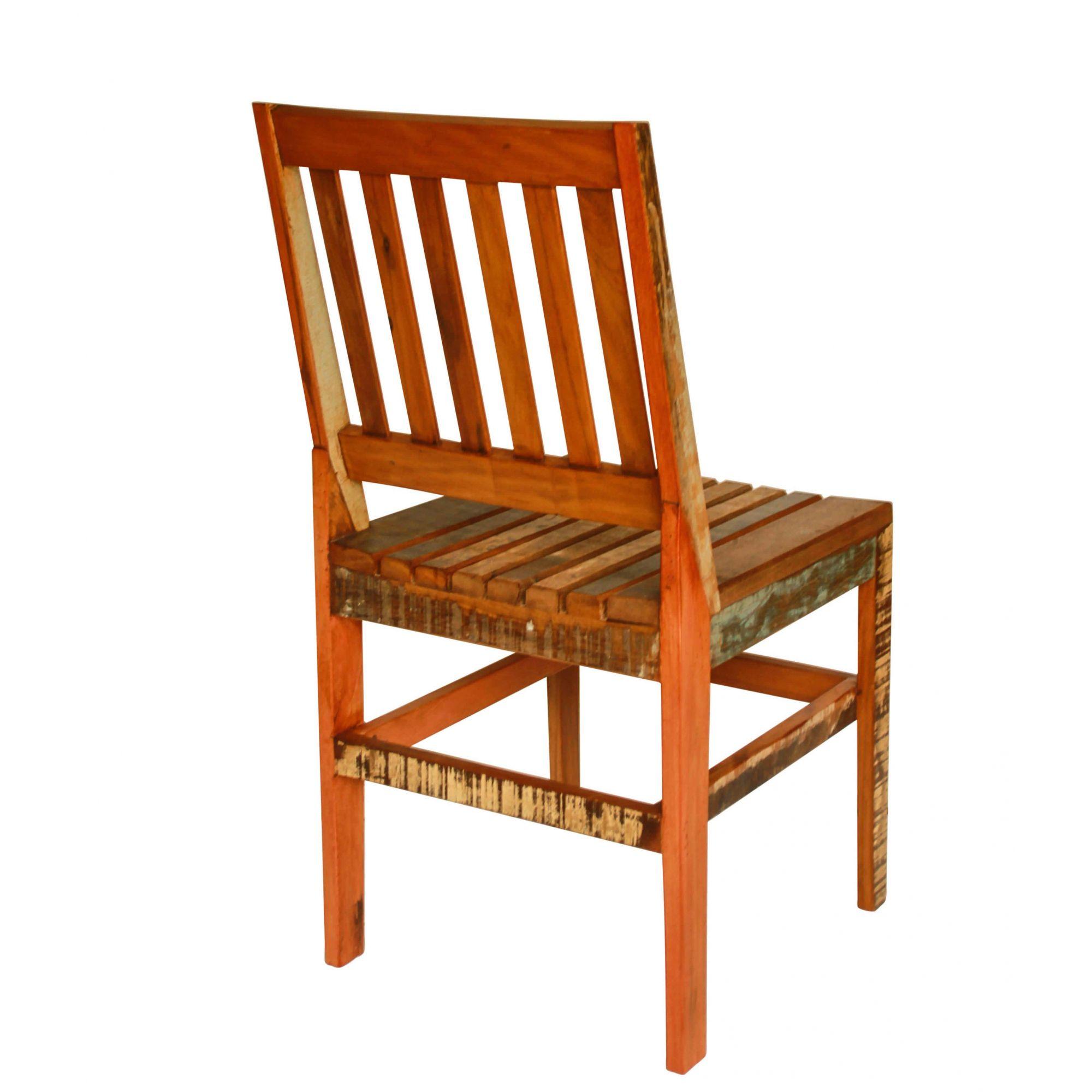 Cadeira de Madeira de Demolição modelo ripado supor confortavél