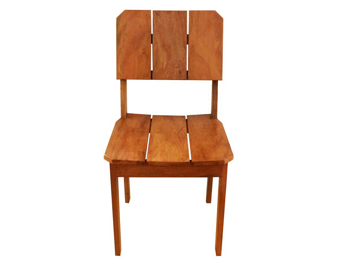 Cadeira Ripada Curva Fabricada Em Madeira Maciça De Demolição Medindo 45x50x90cm