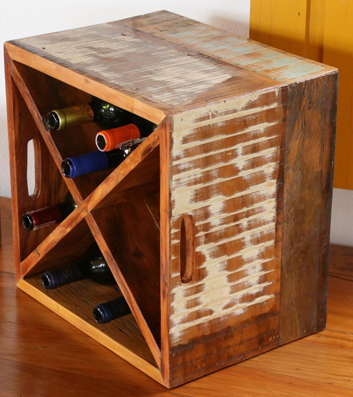 Adega Para Vinho Modelo Caixote em Madeira de Demolição Medindo 40x30x40