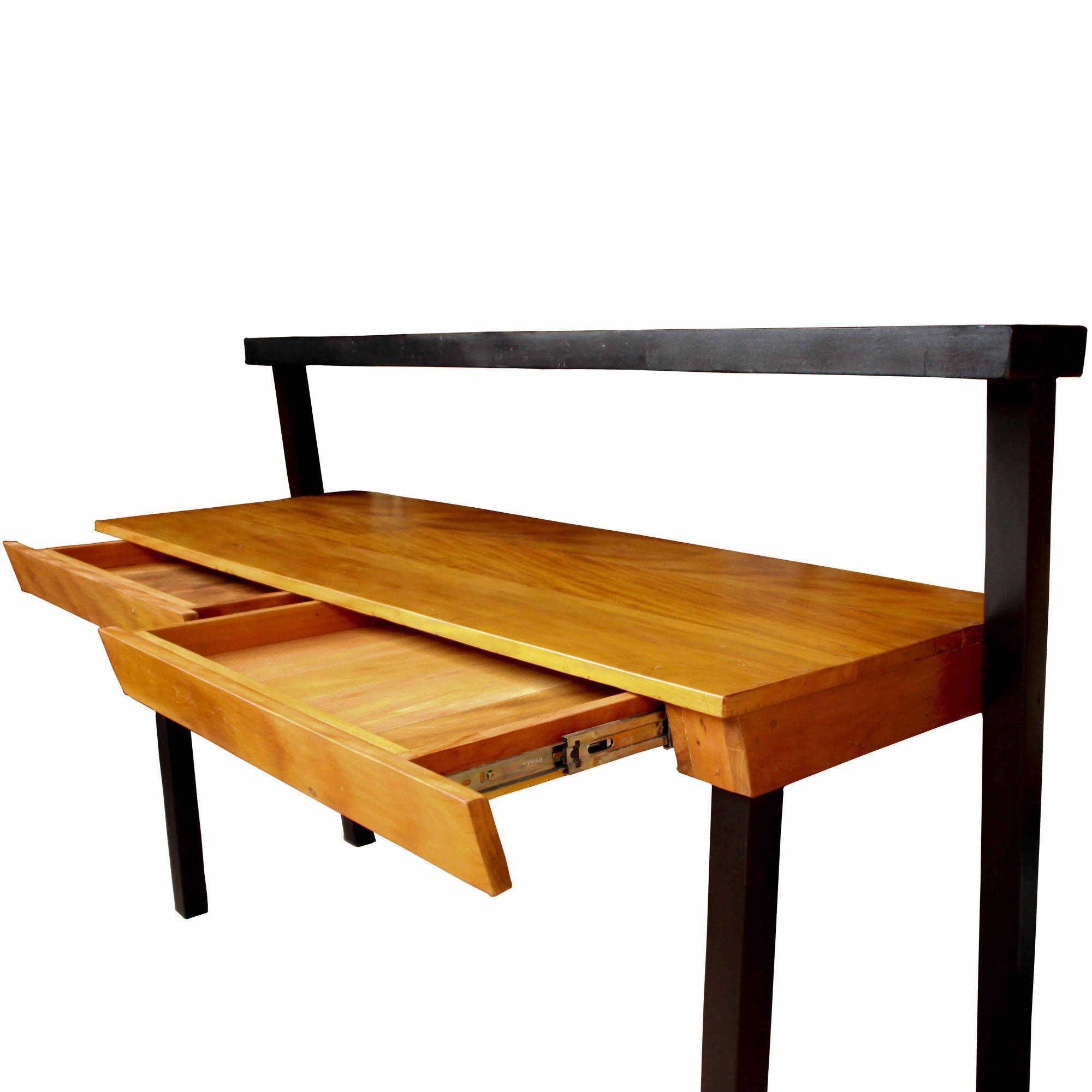 Escrivaninha em madeira de demolição com pés pretos 1,50x50x75