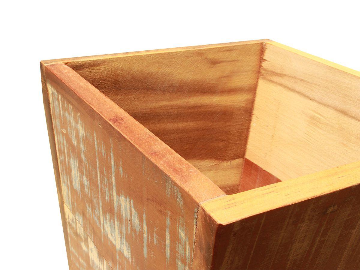 Lixeira Colorida Fabricada em Madeira De Demolição Medindo 30x30x30