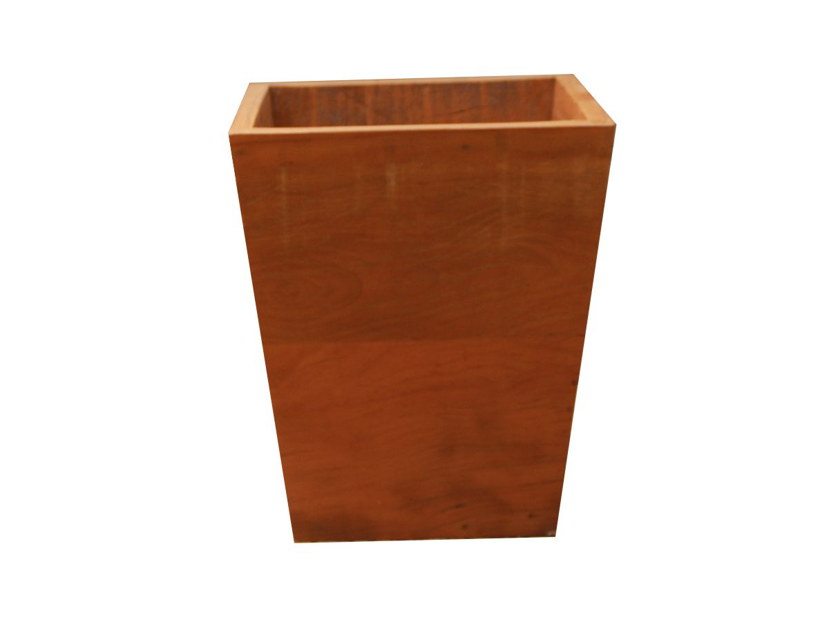 Lixeira Fabricada em Madeira De Demolição Medindo 30x30x30